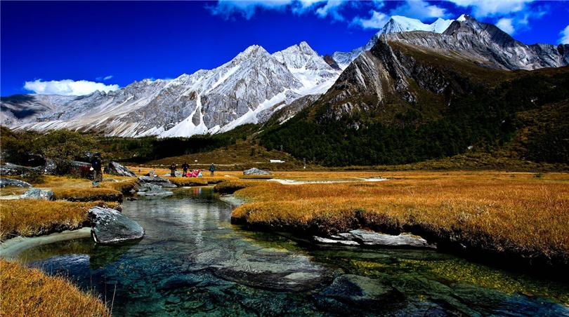 人生总要有一场身在地狱眼在天堂的行走 ——泸沽湖穿越稻城亚丁